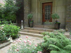Eingangsbereich Steintreppe Korte Garten- und Landschaftsbau