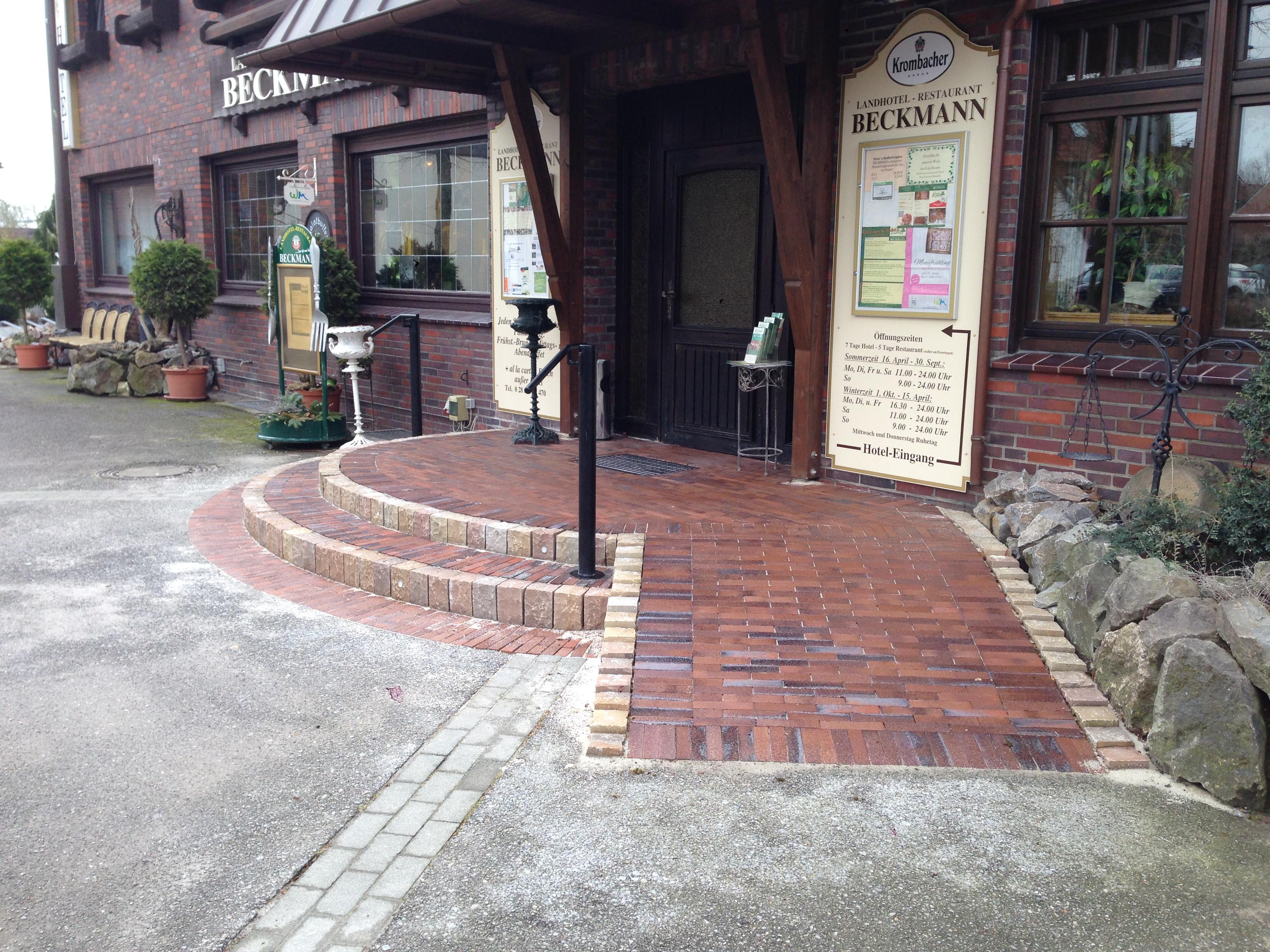 Eingangsbereich Pflasterung Korte Garten- und Landschaftsbau