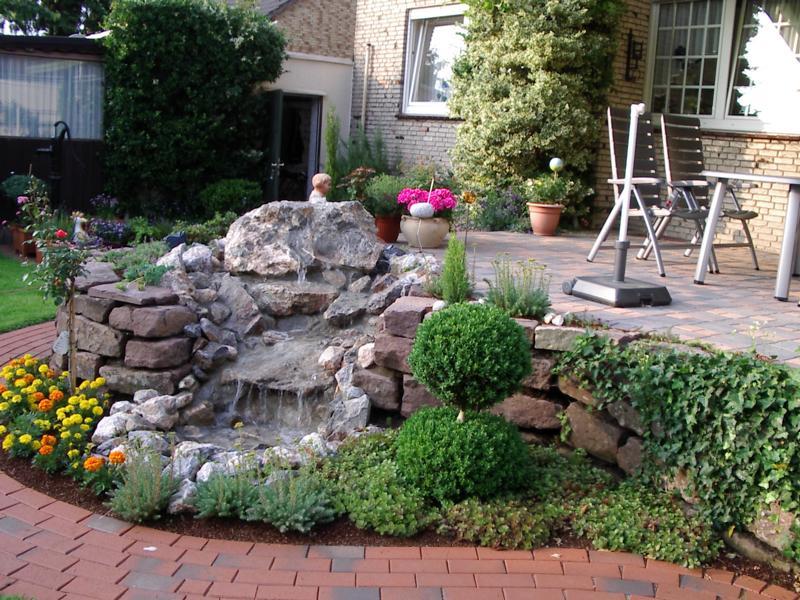 Wasserspiel Steinmauer