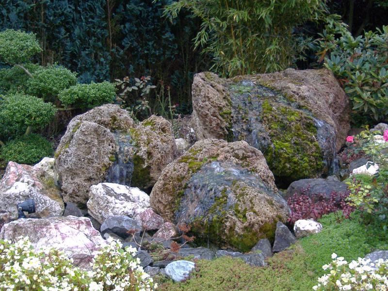 Wasserspiel Felsen Korte Garten- und Landschaftsbau