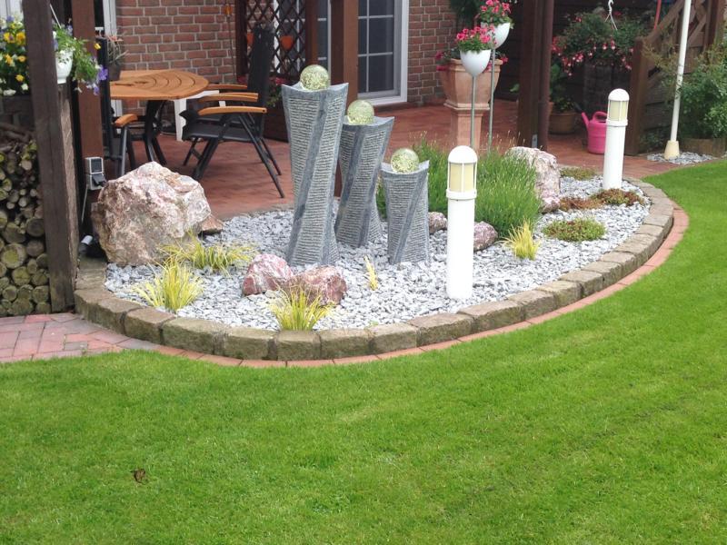 Steinbeet mit Pflanzung Korte Garten- und Landschaftsbau