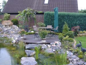 Holzterasse Teich Korte Garten- und Landschaftsbau