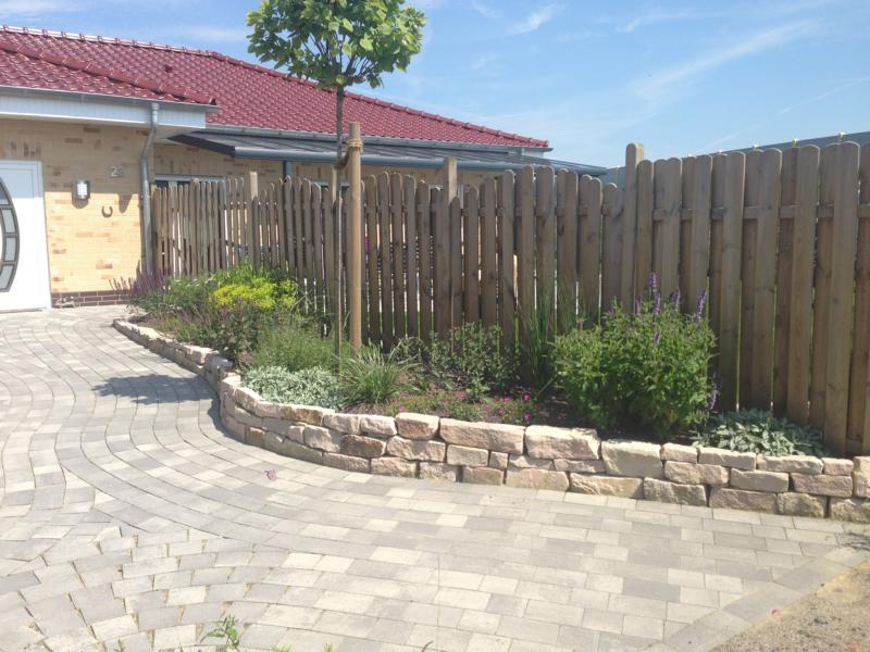 Zaunbau Holzlatten Korte Garten- und Landschaftsbau