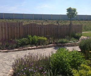 Haunbau Holz halbrund Korte Garten- und Landschaftsbau
