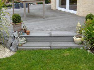 Holzstufen Terasse Korte Garten- und Landschaftsbau