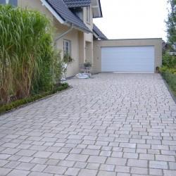 gepflasterte Garagenzufahrt Korte Garten- und Landschaftsbau